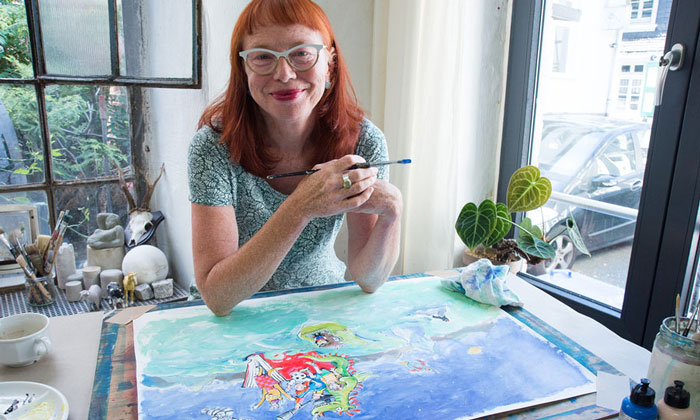 Käpt'n-Book-Illustratorin Jule Steinbach in ihrem Atelier in Wuppertal / Foto: Willi Barczat